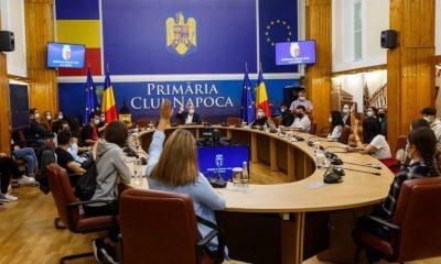 Viitorii studenți ai Clujului, în vizită la Primărie. Ce au discutat cu Boc