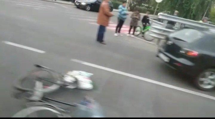 ACCIDENT în Cluj. Un biciclist de 70 de ani a ajuns la spital