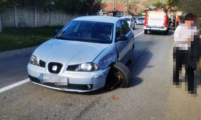 Accident cu trei victime într-un sat din Cluj. O mașină s-a răsturnat în urma impactului
