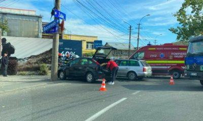 Accident rutier cu două victime în centrul Clujului. Au intervenit echipaje de salvare, la fața locului