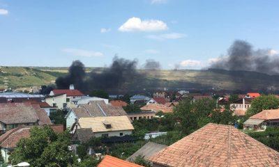 Incendiu la un apartament din Cluj-Napoca. Cauza probabilă, o țigară aprinsă lăsată nesupravegheată pe balcon.