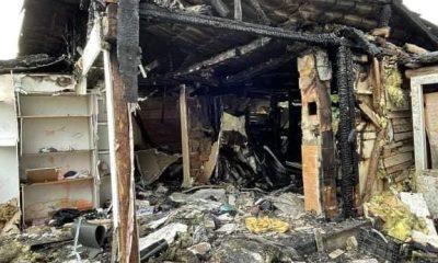 """O familie cu 4 copii din Cluj a rămas pe drumuri, după ce casa le-a luat foc: """"doi părinți au fugit de foc DESCULȚI"""""""